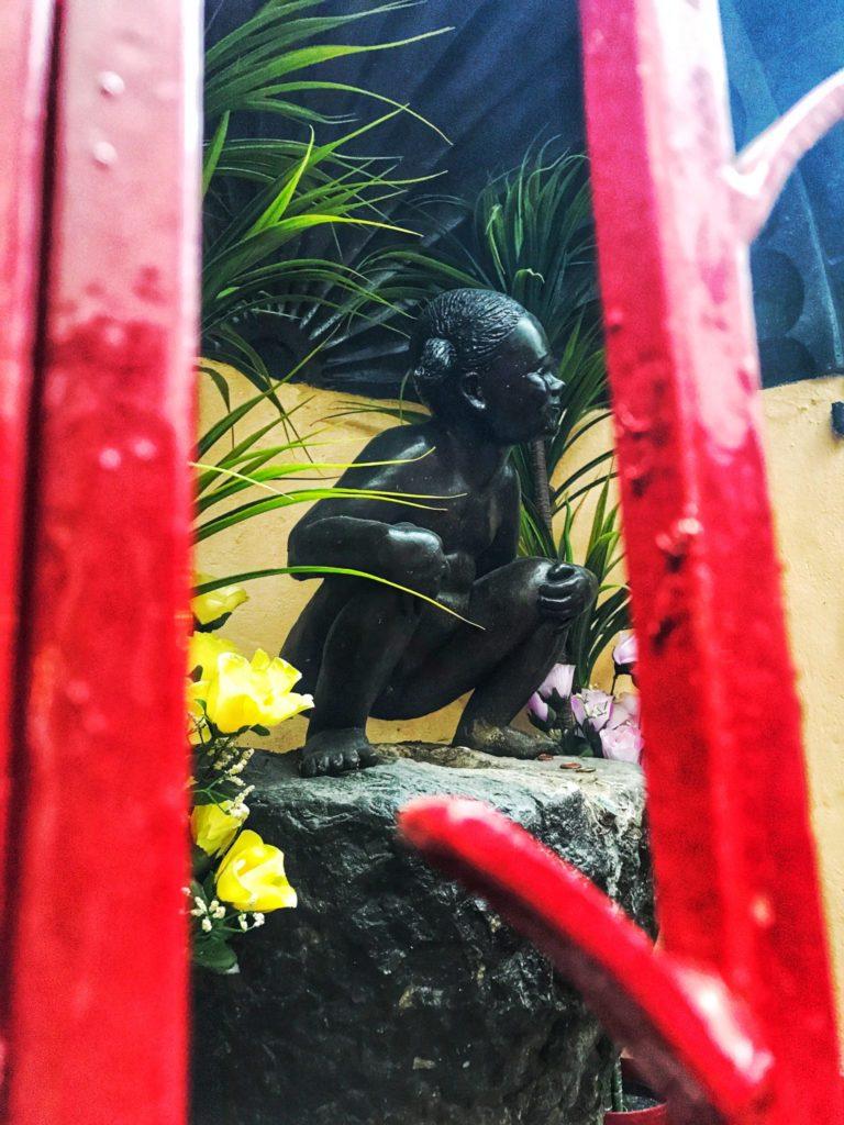 Jeanneken Pis Statue
