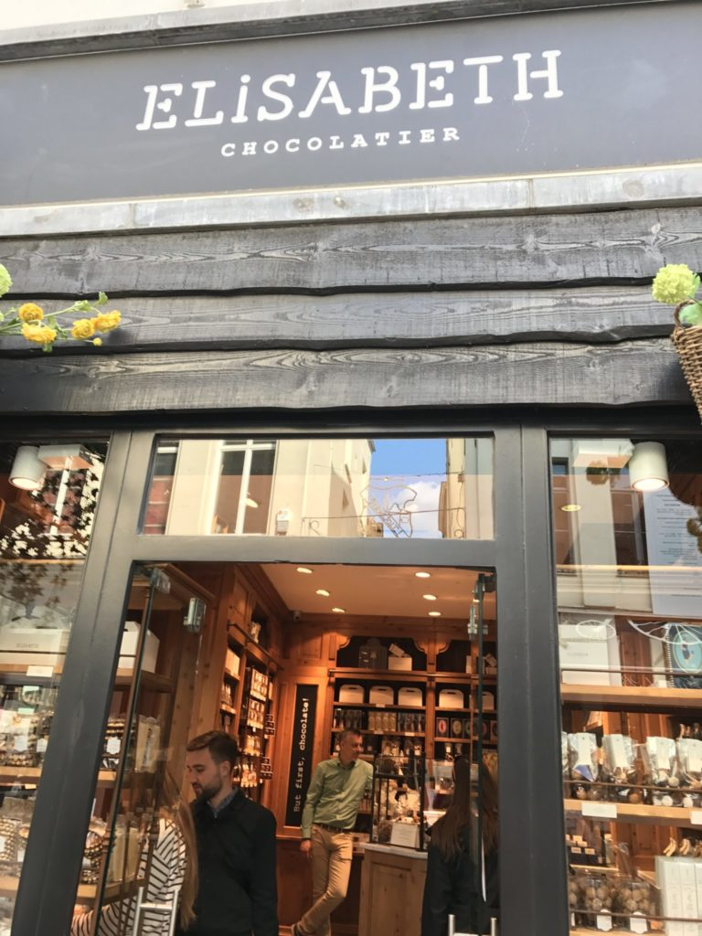 Elisabeth Chocolatier Brussels shop entrance